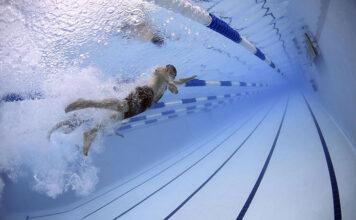 Jak kupić dobre stroje pływackie